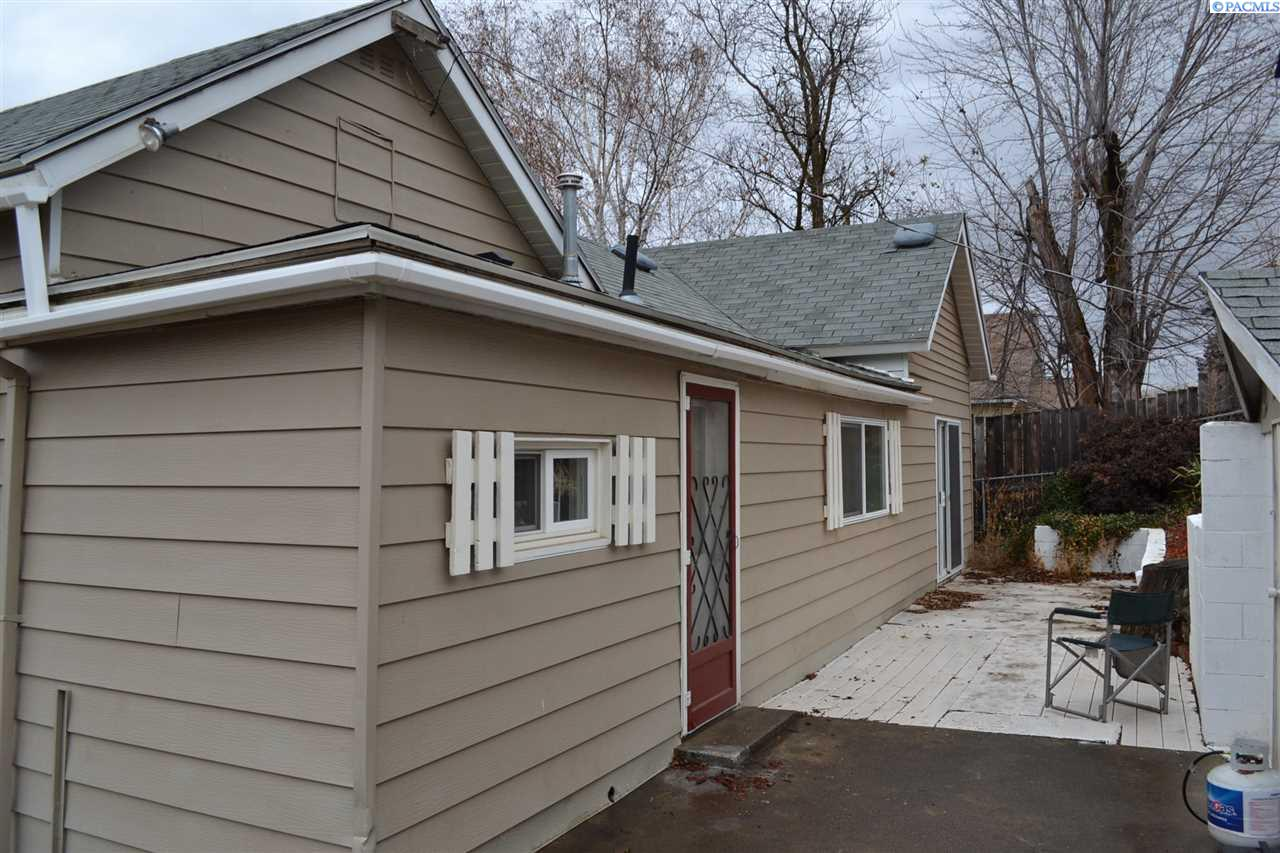 Additional photo for property listing at 405 S Star Avenue La Crosse, Washington 99143 United States