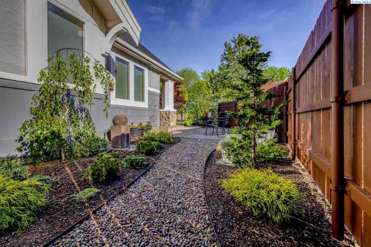 Additional photo for property listing at 705 SE Heron Drive College Place, Washington 99324 United States