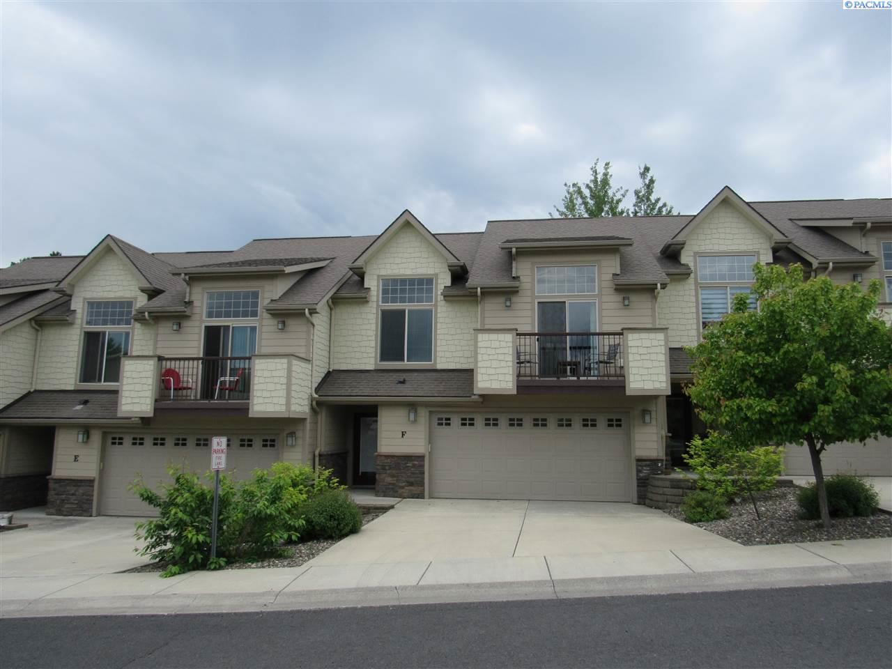 Condominiums for Sale at 210 NW TERRE VIEW Pullman, Washington 99163 United States