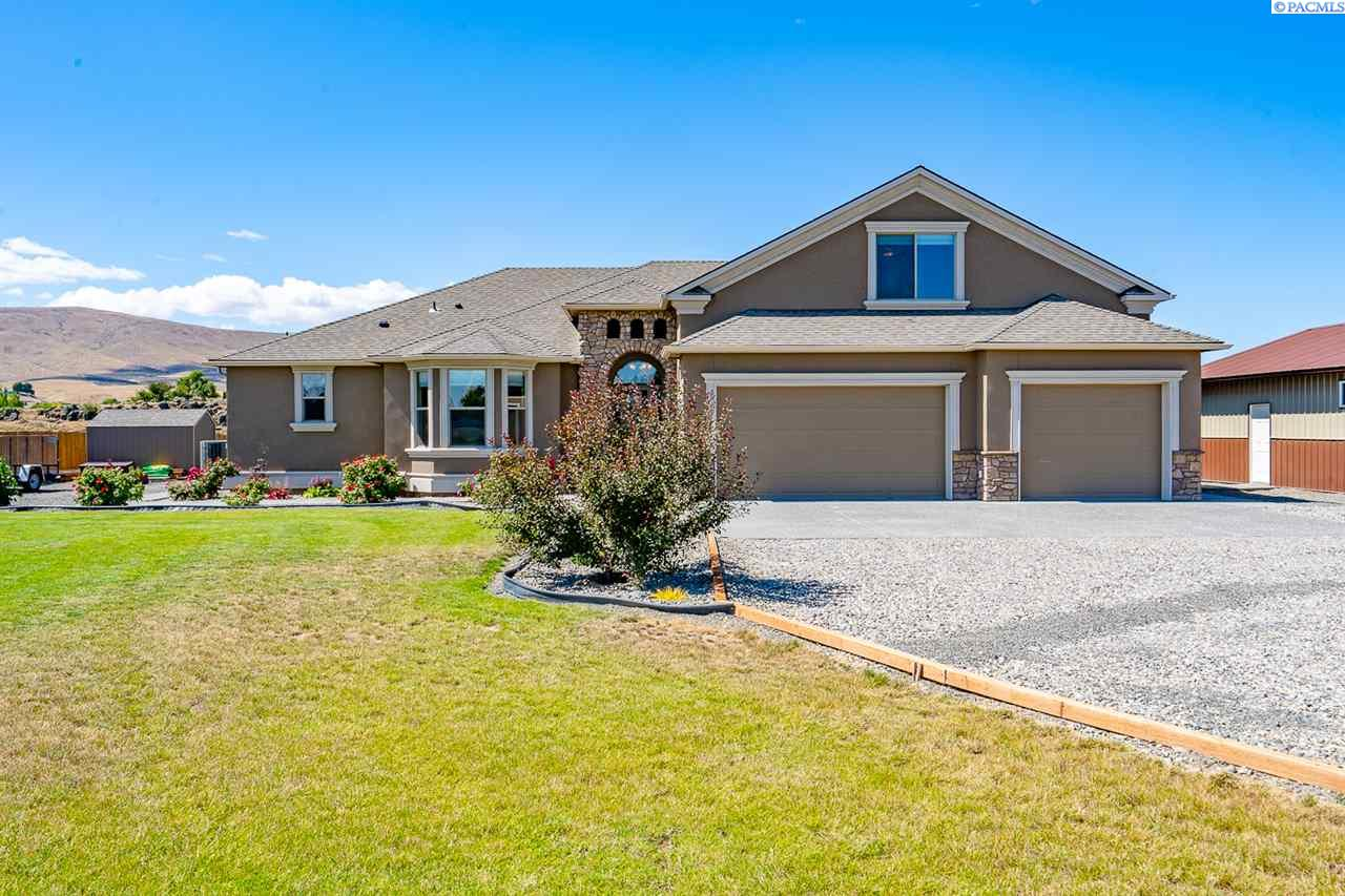 Single Family Homes for Sale at 176219 Rivers Edge Road Prosser, Washington 99350 United States