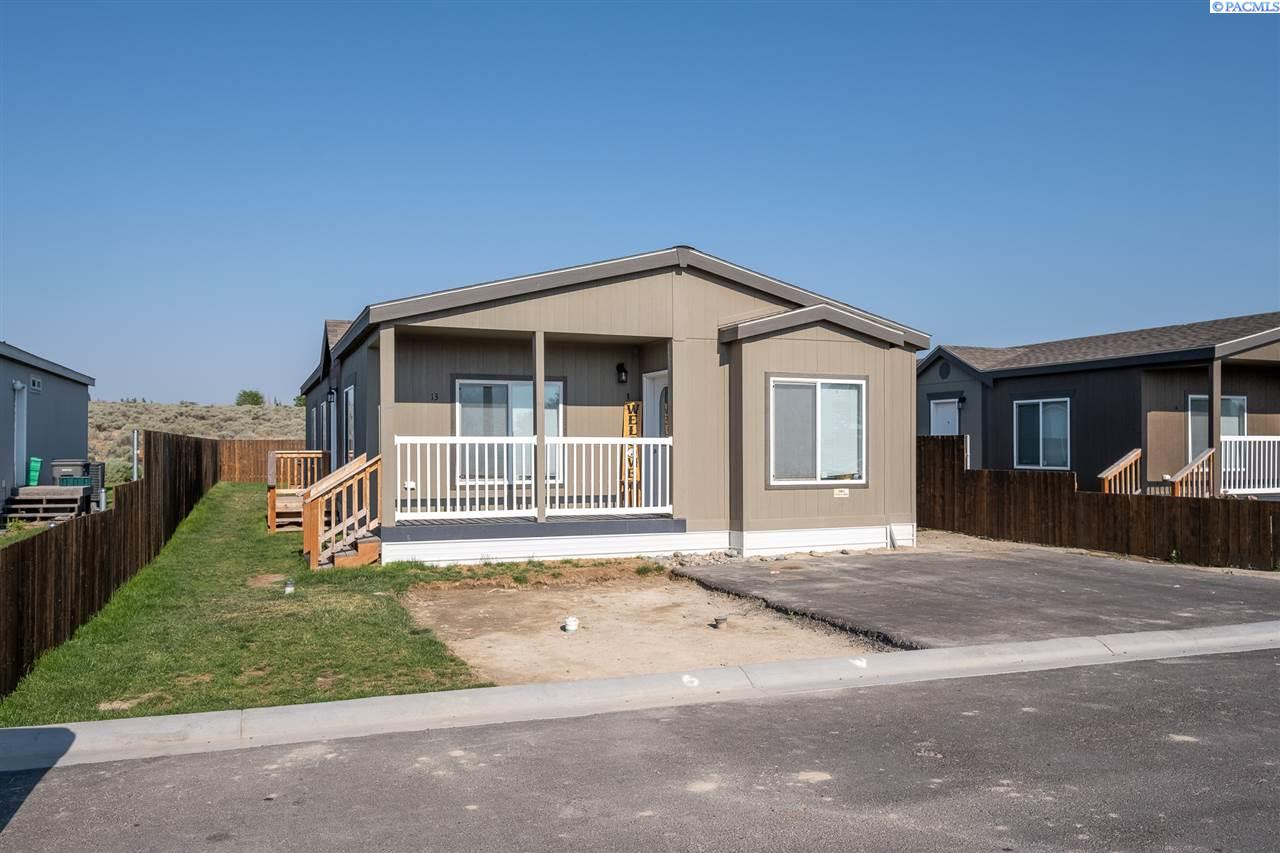 Manufactured Home for Sale at 200802 W Game Farm Road Sp Kennewick, Washington 99337 United States