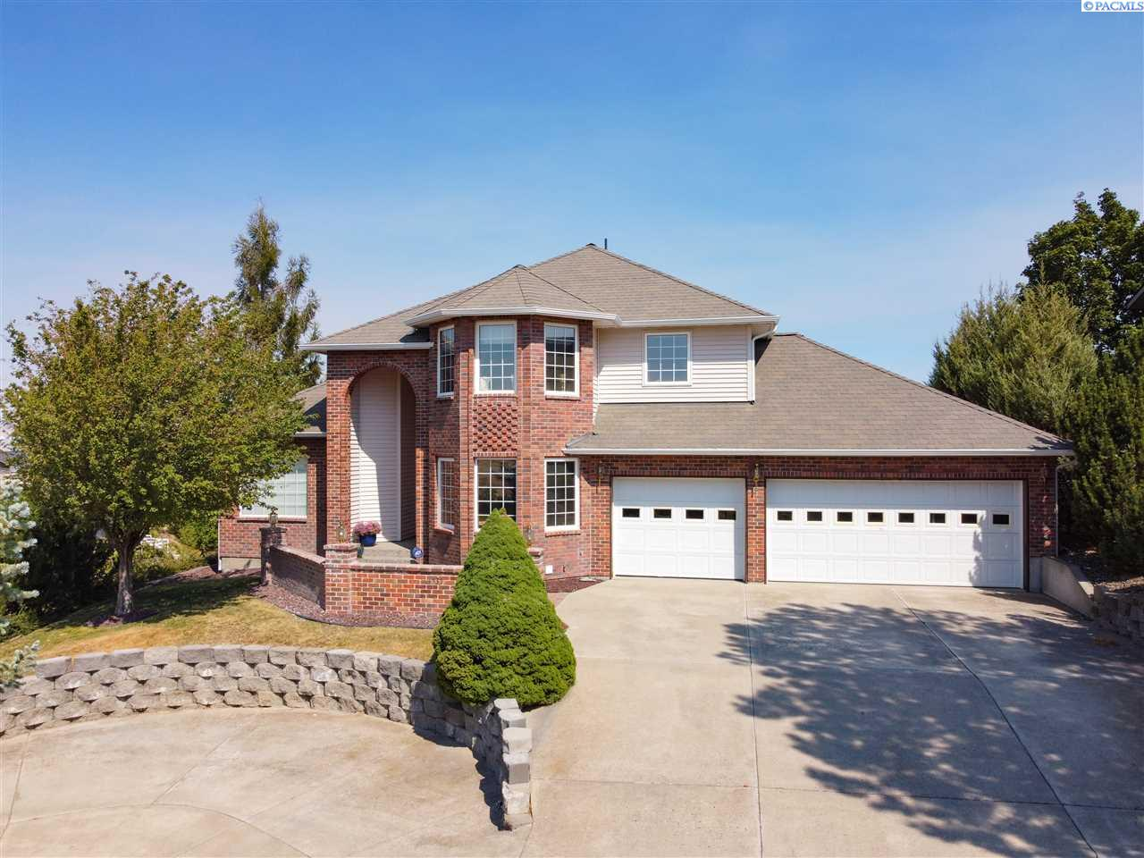 Single Family Homes for Sale at 1535 SW Wadleigh Drive Pullman, Washington 99163 United States