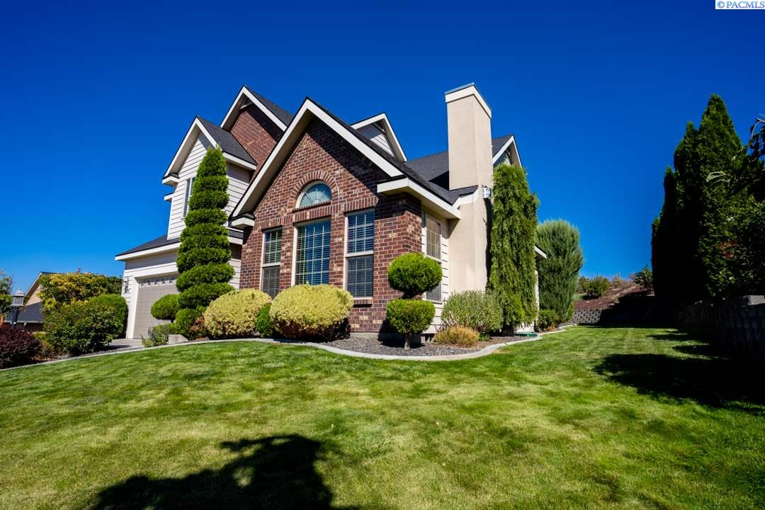 Single Family Homes for Sale at 1300 Quarter Horse Trail Prosser, Washington 99350 United States