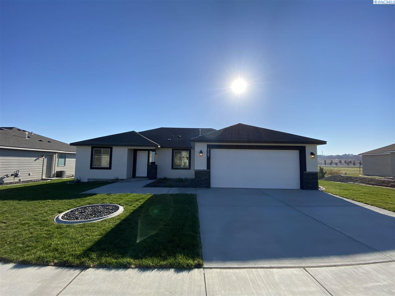 Single Family Homes for Sale at 5587 W 32nd Avenue Kennewick, Washington 99338 United States