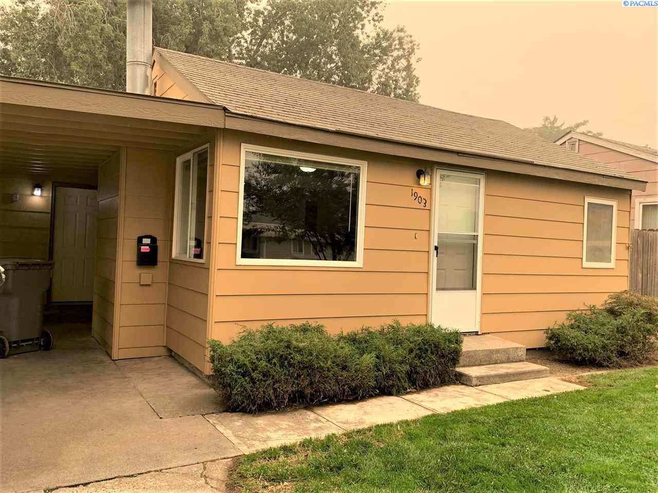 Single Family Homes for Sale at 1903 W 5th Avenue Kennewick, Washington 99336 United States