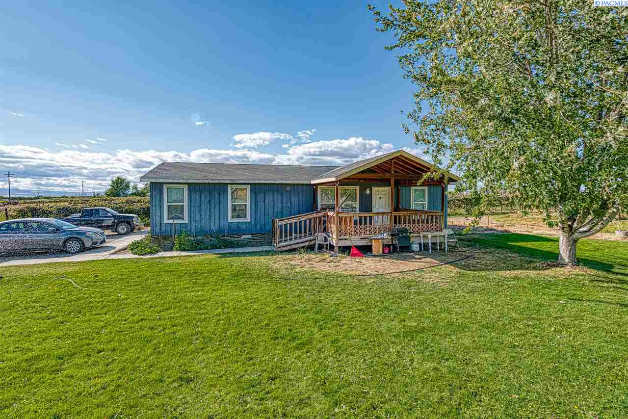 Manufactured Home for Sale at 1263 Mountainview Road Grandview, Washington 98930 United States