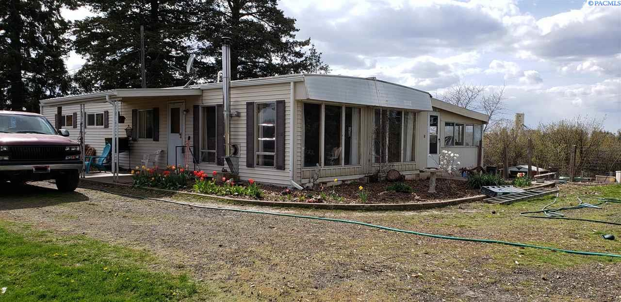 Manufactured Home for Sale at 102 E Cleveland Street Garfield, Washington 99130 United States