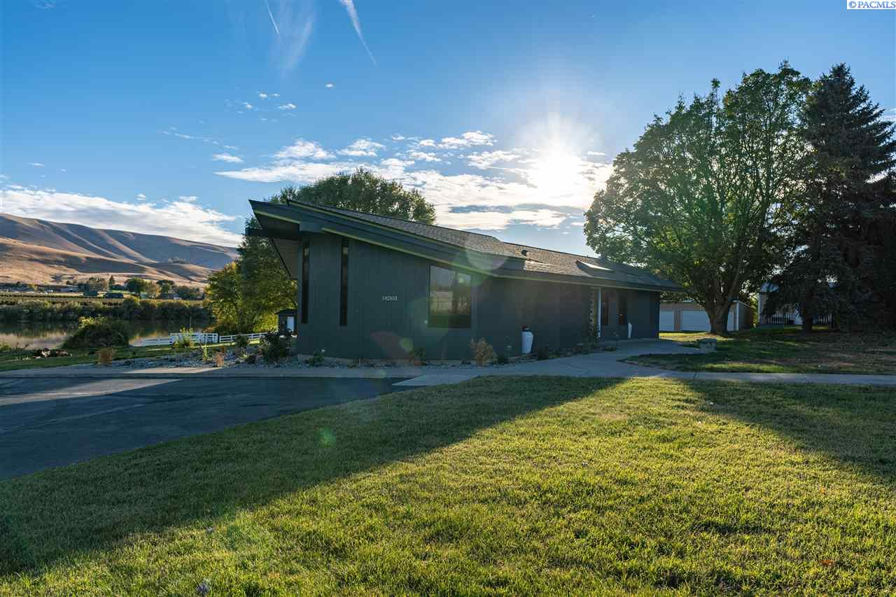 Single Family Homes for Sale at 142103 W North River Road Prosser, Washington 99350 United States
