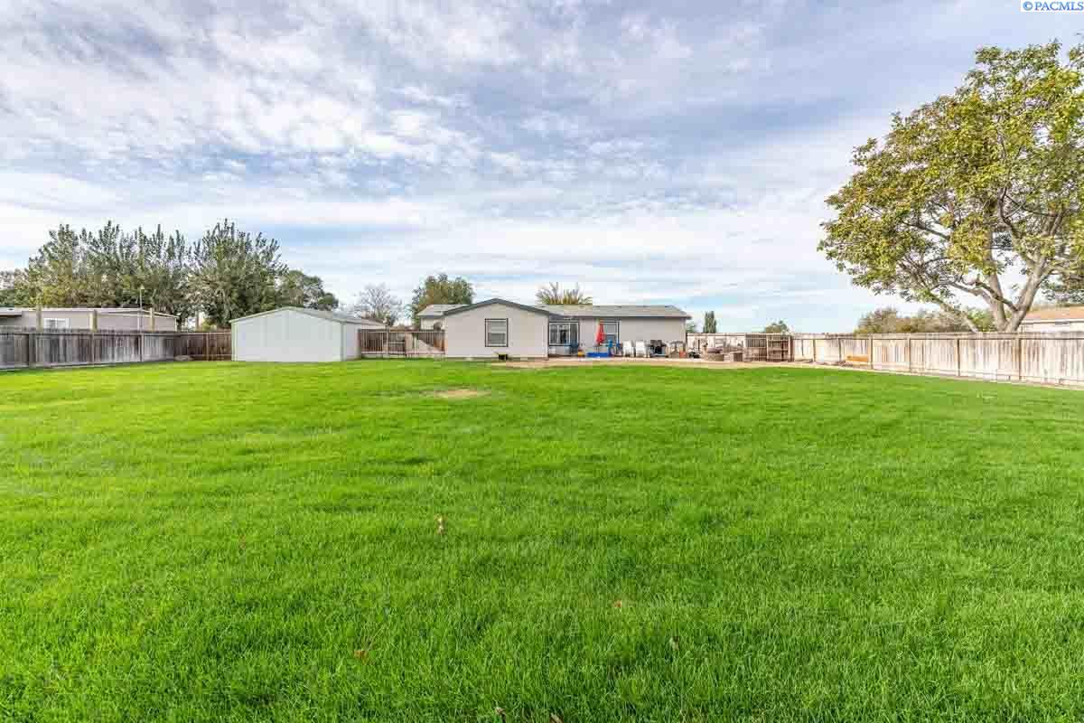 Additional photo for property listing at 91 Adair Road Burbank, Washington 99323 United States