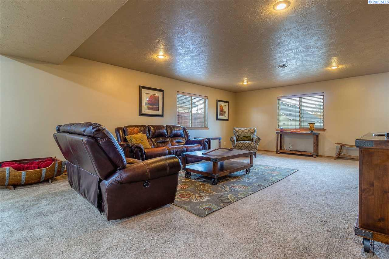 Additional photo for property listing at 106 Fire Station Lane Walla Walla, Washington 99362 United States