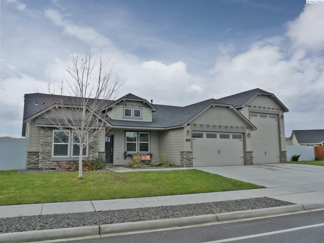 Single Family Homes for Sale at 1239 Belmont Blvd West Richland, Washington 99353 United States