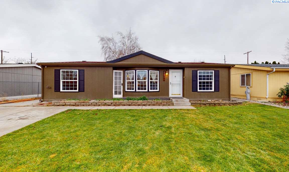 Manufactured Home for Sale at 8431 W Yellowstone Avenue Kennewick, Washington 99336 United States