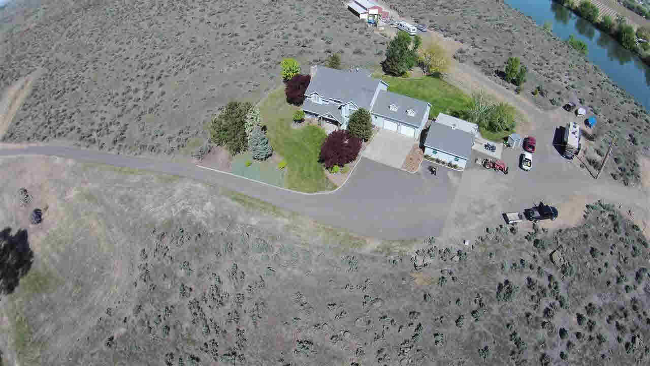 Farm / Ranch / Plantation for Sale at 501 Byron Road Prosser, Washington 99350 United States