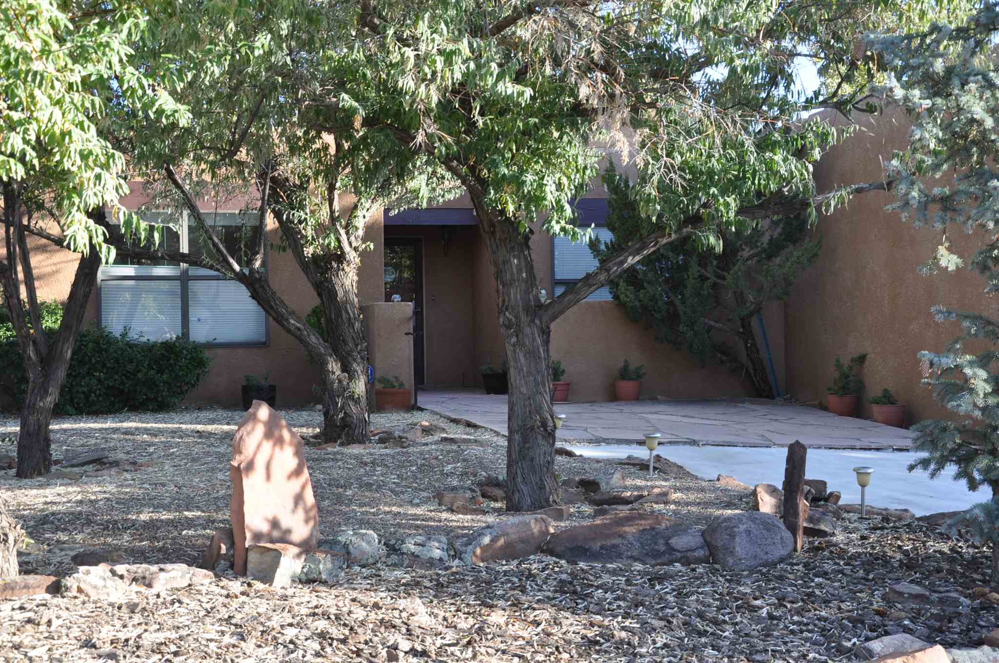 Sweet, Beautifully kept second home. 3 Bedrooms/ 2 Baths. Living Room has Kiva and high ceilings with beams. Quiet cul de sac location in Las Estancias. Easy manage landscaping and a lovely gazebo. Easy to show.