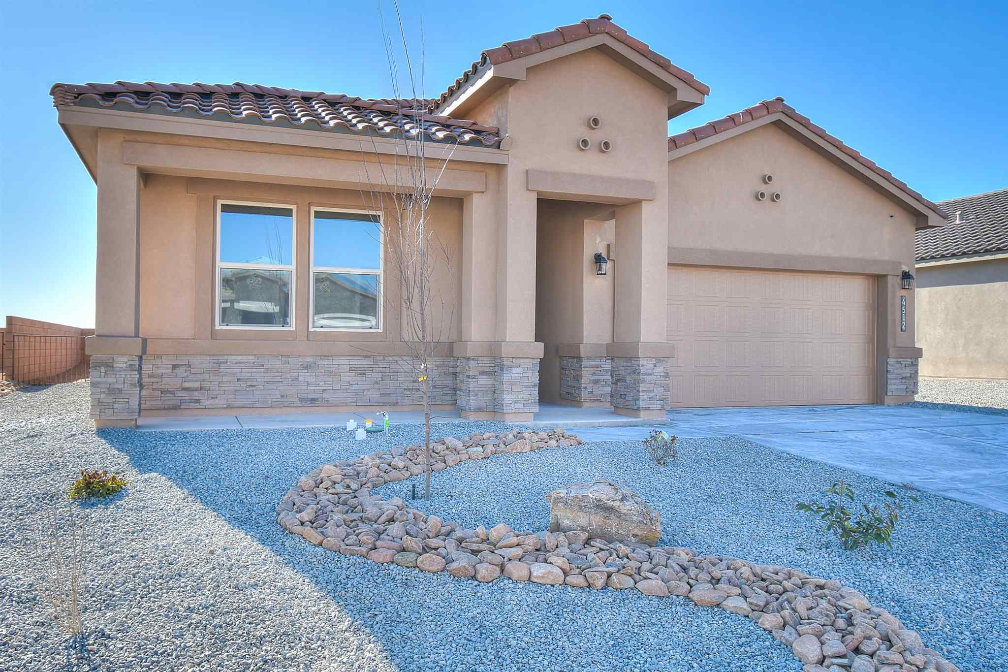 A New Never Lived in Jordan Home Close to city indoor swimming pool, library, soccer fields, ice skating, ''McDermott'' athletic center, shopping, restaurants, hospitals, and entertainment. This 4-bedroom home has a dream kitchen including granite countertops, all new gas appliances, fireplace and an open floorplan. Come see your new home at one of our newest communities in the heart of Rio Rancho
