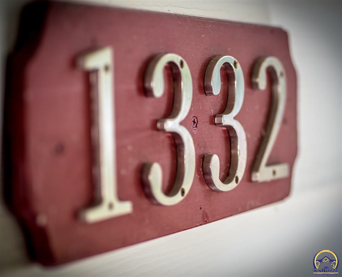 1332 SW Plass AVE