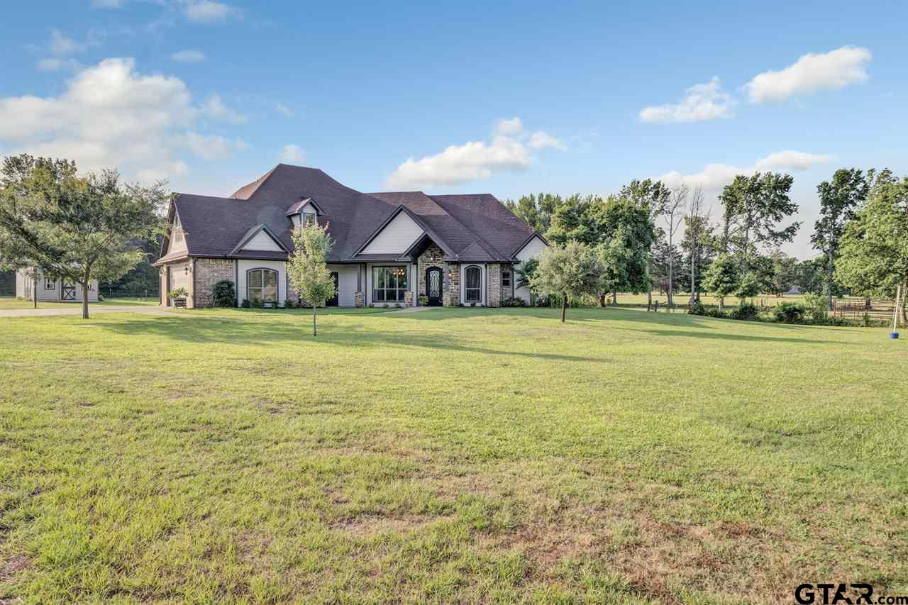 This custom home located in Flint sits on 1.858 Acre +/- property. The house is 3,190 sqft,  4 bed/3 bath could be your next home! This house offers a huge yard for the kids and dogs to run around. Open floor plan and back porch makes it an ideal place for entertaining. The Master suite includes double vanities, a jetted tub, and walk in shower. The kitchen offers gorgeous granite counter tops, gas cook top, built-in microwave and a stunning bar top to sit and drink your morning coffee as you watch the sun come up. This house has a rustic charm that is warm and inviting as soon as you walk through the front door. Come see this home today!