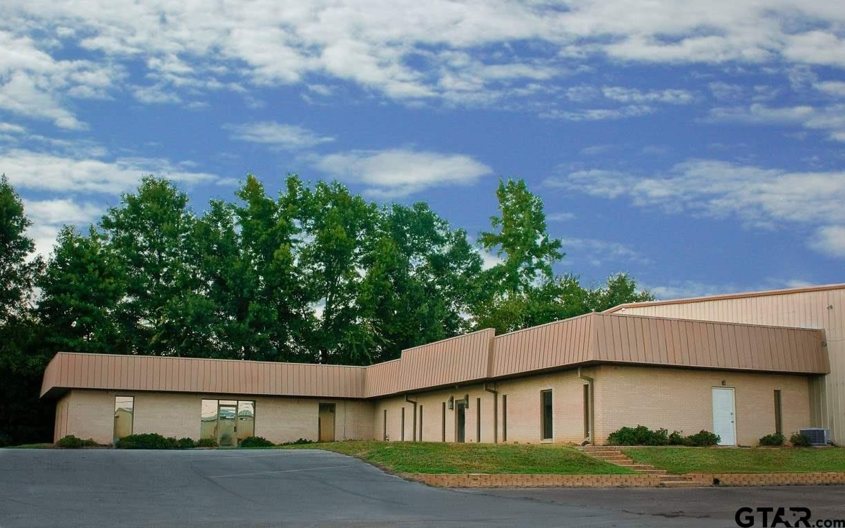Approx. 2,000 SF Brick Construction built in 1978 with recent renovations Ample open surface parking; Great facility for office/showroom Heated and cooled Corner of Brandon Drive and Paluxy Drive; South Paluxy Business Park Tyler City Limits, just south Grande Blvd. Easy access to Loop 49, Loop 323, Grande Ave. & Hwy 110
