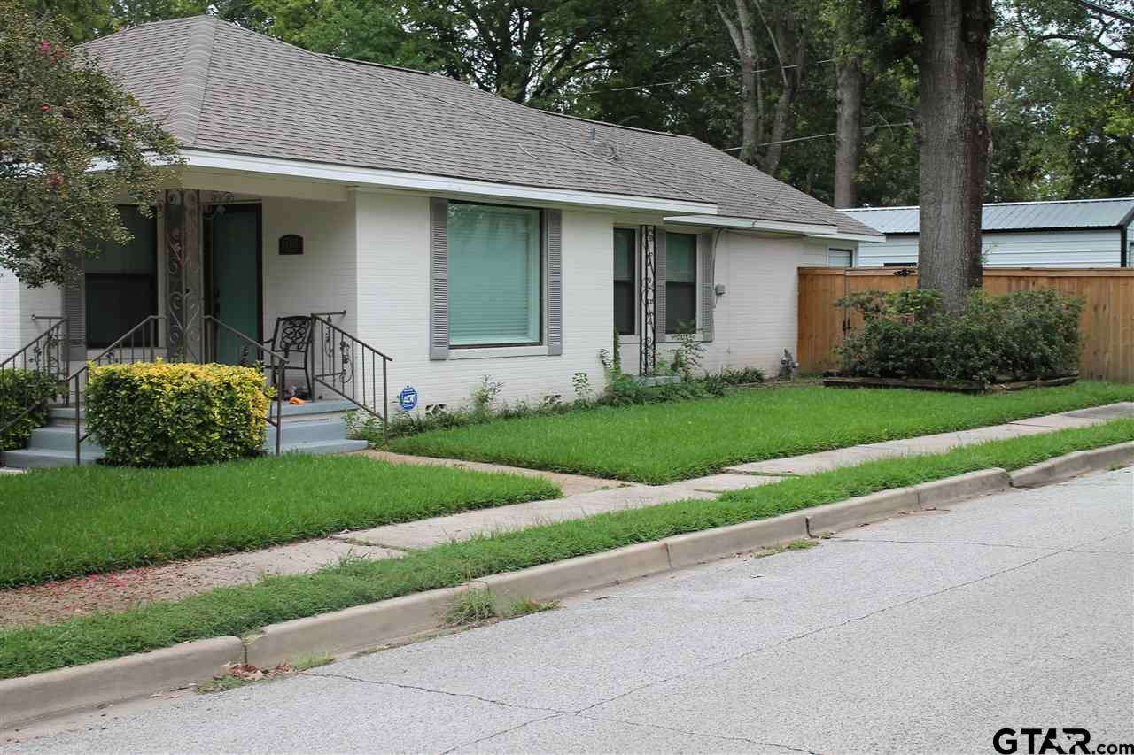 Photo for MLS Id 10127176 located at 1700 Martin Street