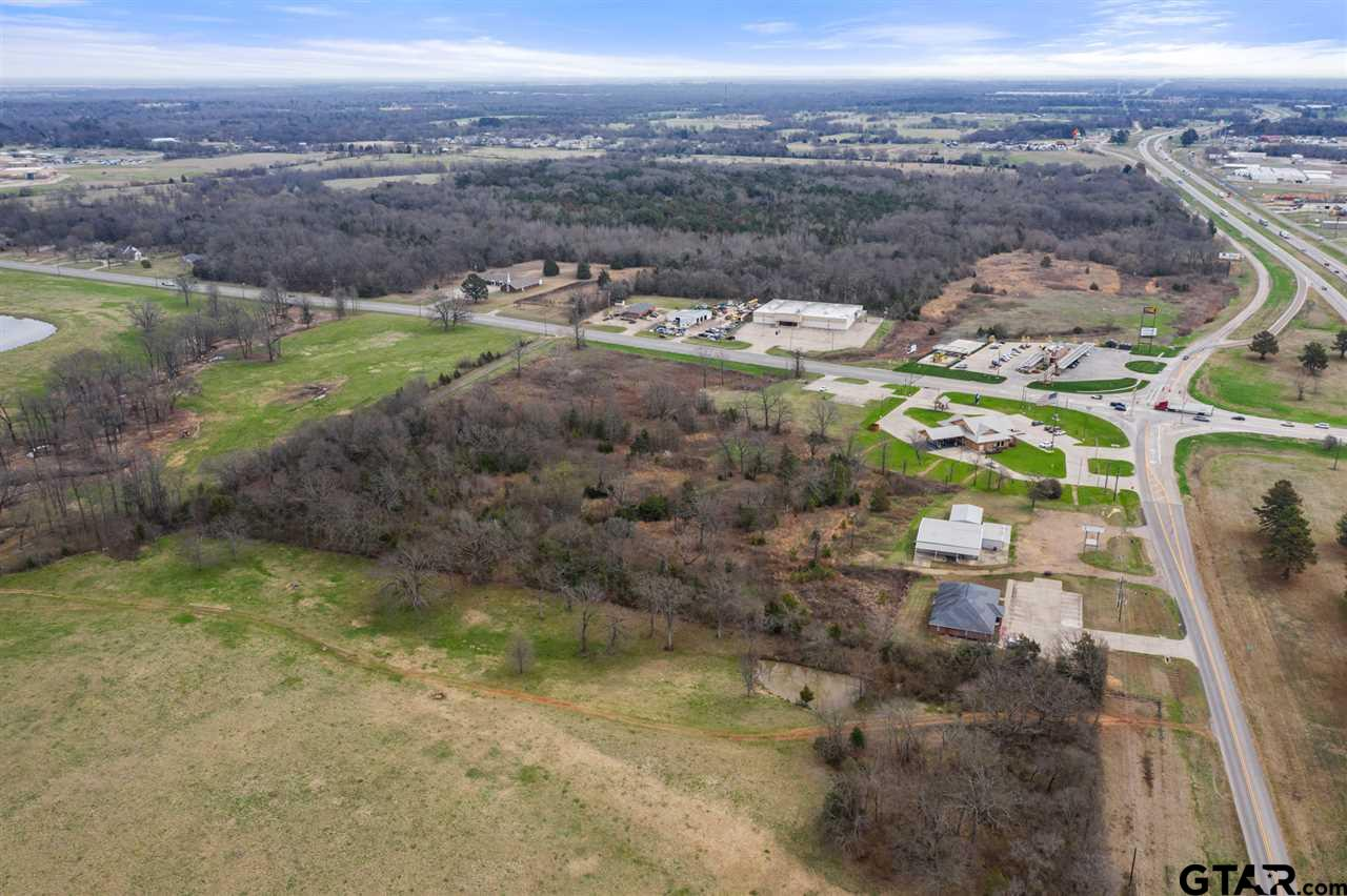 Great Commercial building site conveniently located to I-30 and down town Mt Vernon and the lakes area.