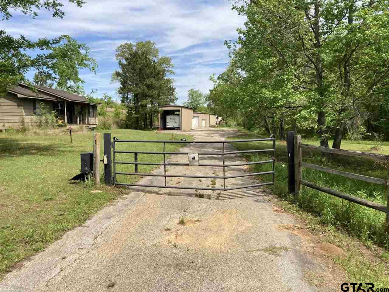 Photo for MLS Id 10135001 located at 9466 Noonday Rd