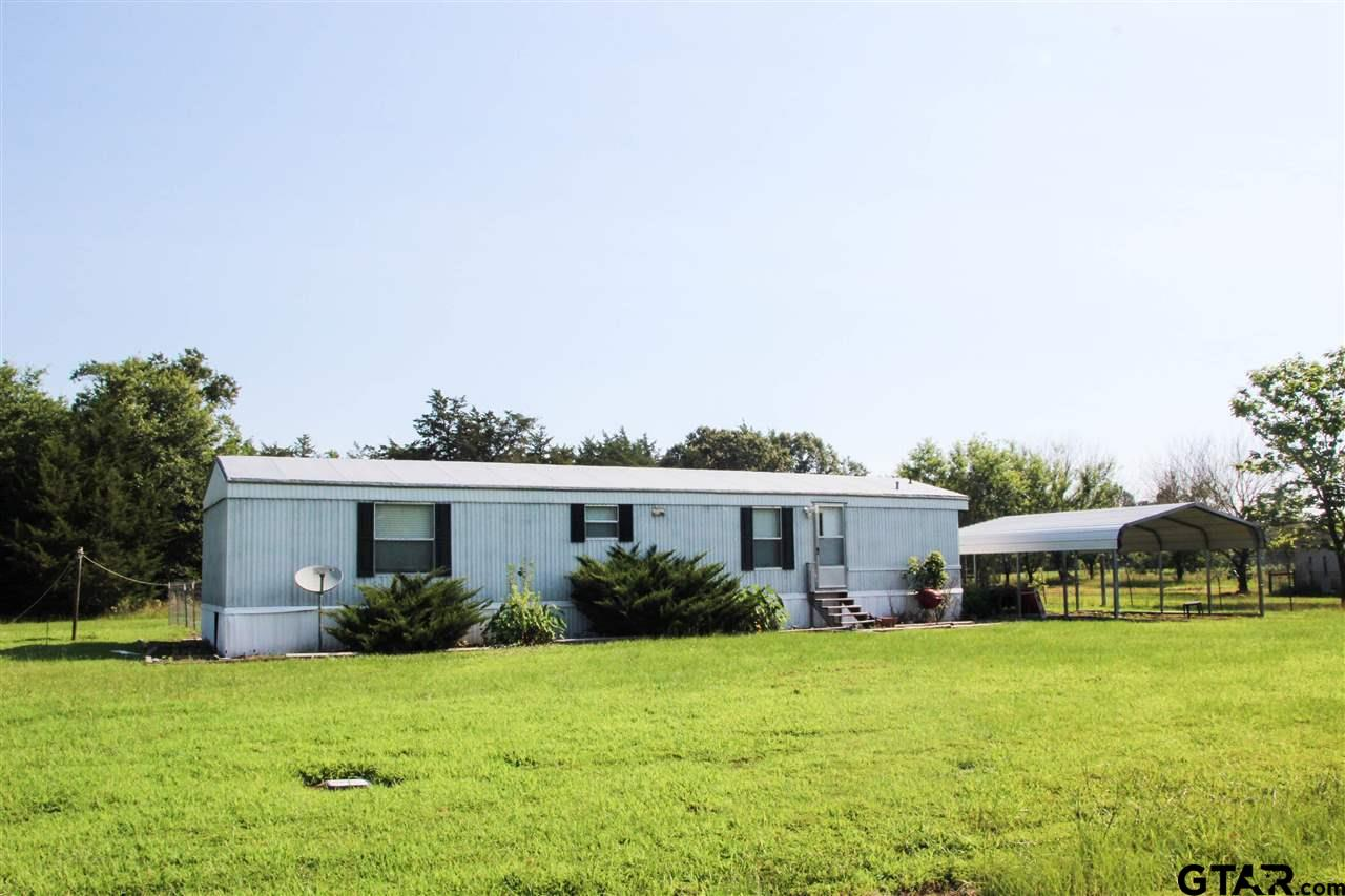 Well maintained 2BD, 2BA manufactured home built in 2012. Almost 900 s.f., this home sits on a double sized lot in Yantis, very close to Lake Fork. Also include a 2-car carport and plenty of peace and quiet. Hard to find homes in this price range, so come and look at this one quickly!