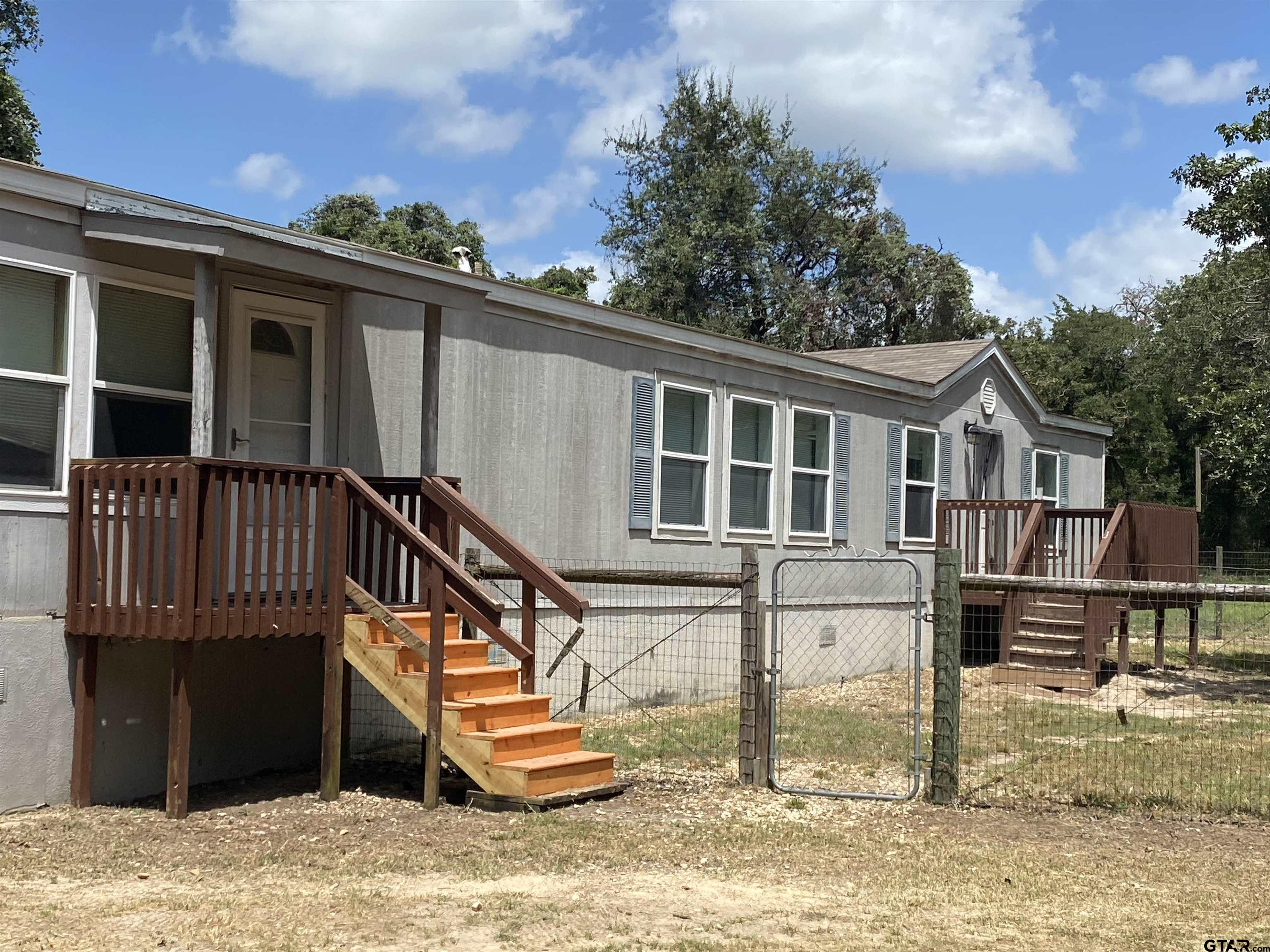 Photo for MLS Id 10137120 located at 5952 CR 342