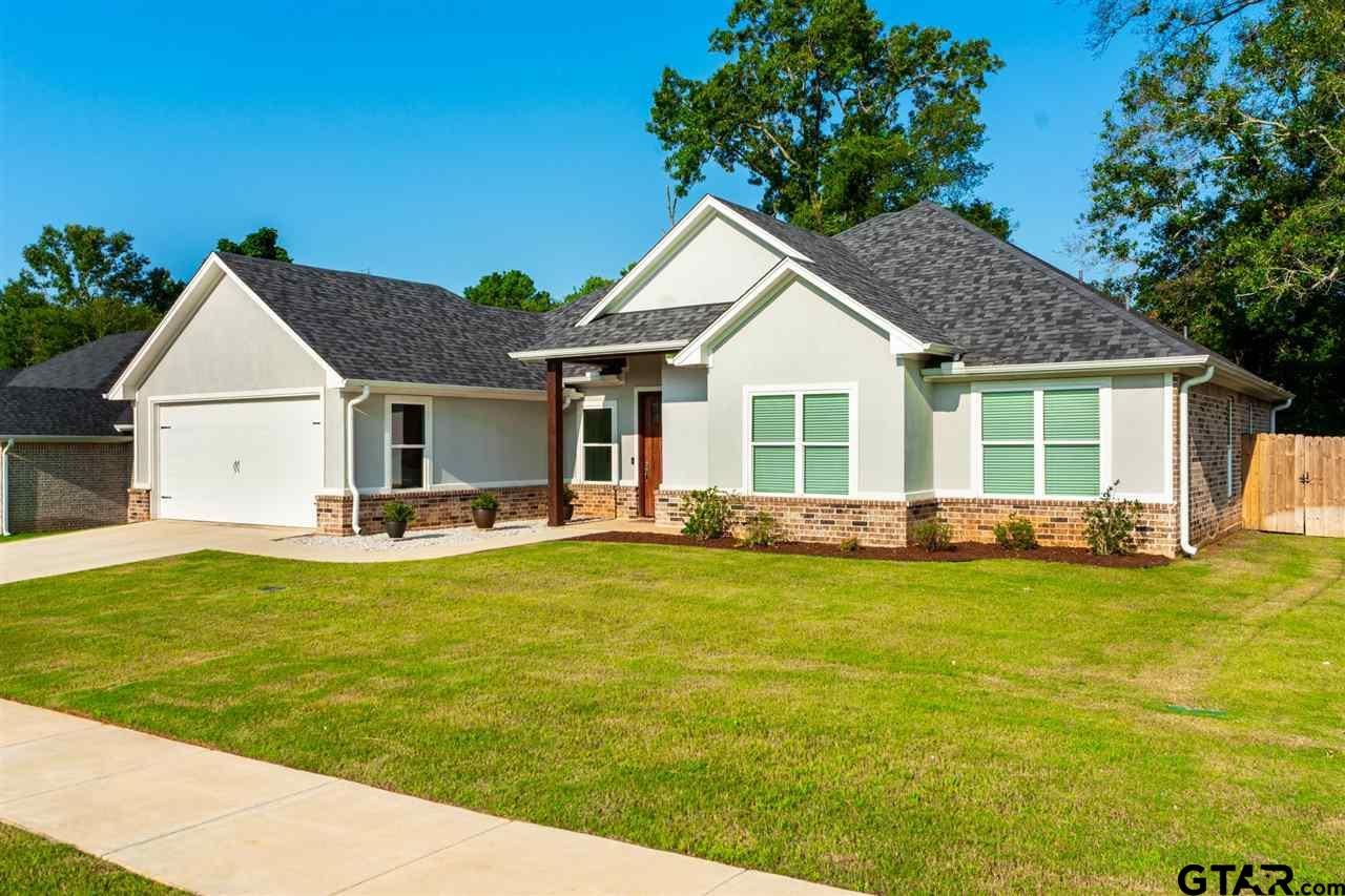Photo for MLS Id 10137926 located at 906 Jackie Ray