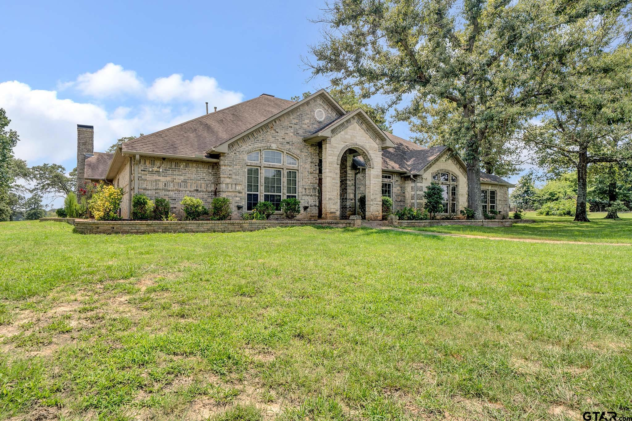 Photo for MLS Id 10139215 located at 13521 FM 16 W.