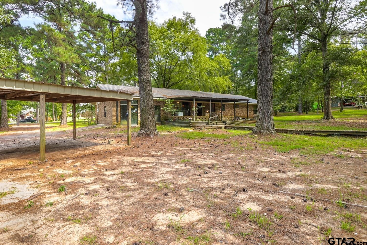 Photo for MLS Id 10140119 located at 1820 Garden Oaks Dr